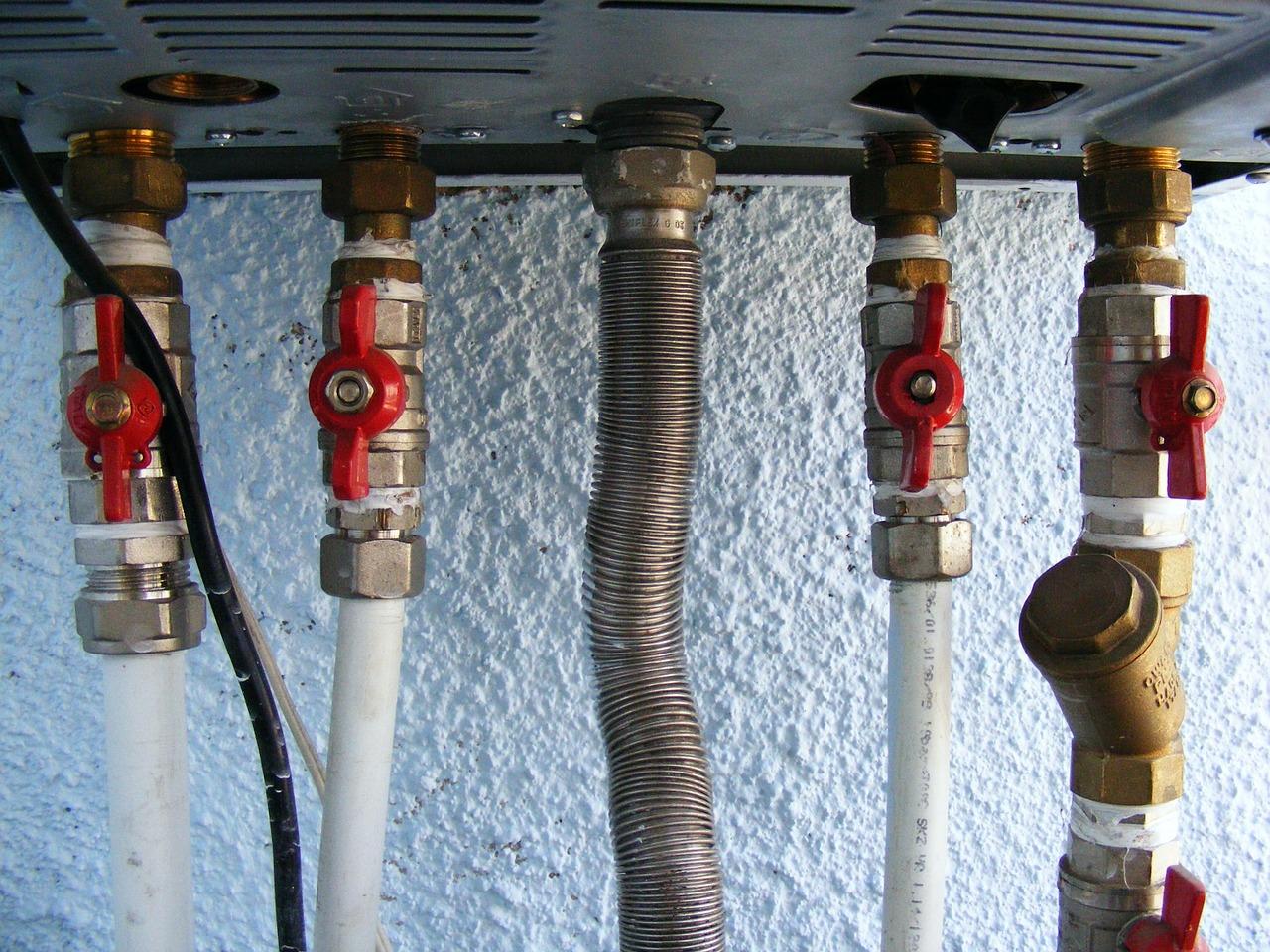Pourquoi faire appel à un plombier pour l'entretien de son chauffe-eau ?